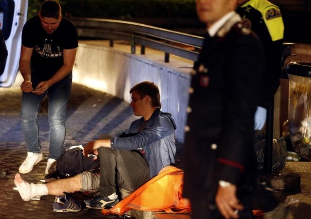 Обрушение эскалатора в римском метро, в котором пострадали фанаты ЦСКА (9 фото + 3 видео)