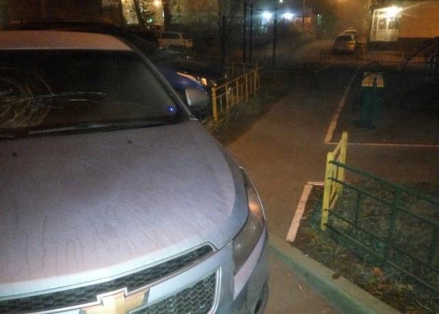 Месть за парковку в неположенном месте (3 фото)