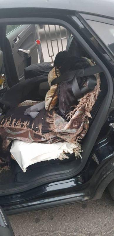 Замаскированную мертвую женщину пытались перевезти через российско-украинскую границу (3 фото)