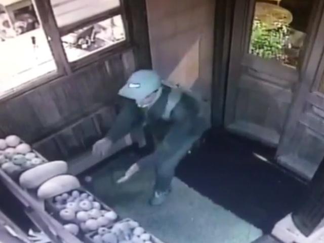 Охранник отеля обезвредил опасного грабителя