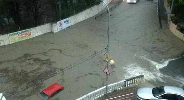 Страшное наводнение в Краснодарском крае (14 фото + видео)