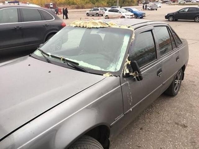 Ремонт автомобиля на скорую руку (4 фото)