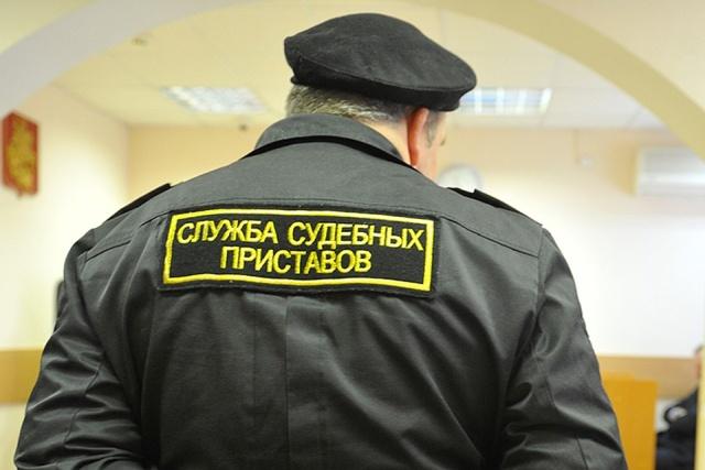 Уральский должник прятал свой внедорожник Lexus от судебных приставов на парковке налоговой службы