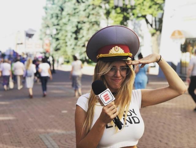 Журналистка Нати Жота из Аргентины хотела, чтобы ей смотрели в глаза, поэтому уменьшила грудь (14 фото)