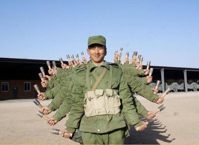 Армейские будни не обходятся без юмора (29 фото)