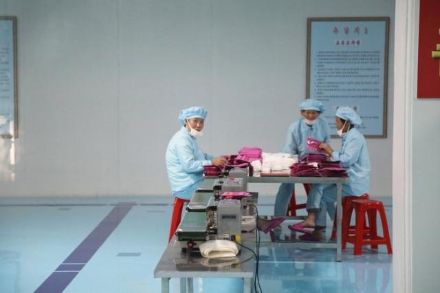 Повседневные фото жизни в Северной Корее (24 фото)