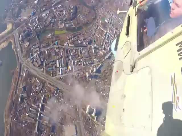 Прыжок с парашютом от первого лица