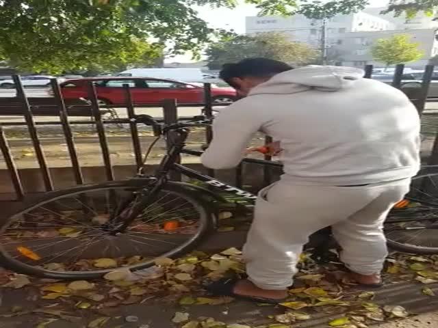 Вор и велосипед
