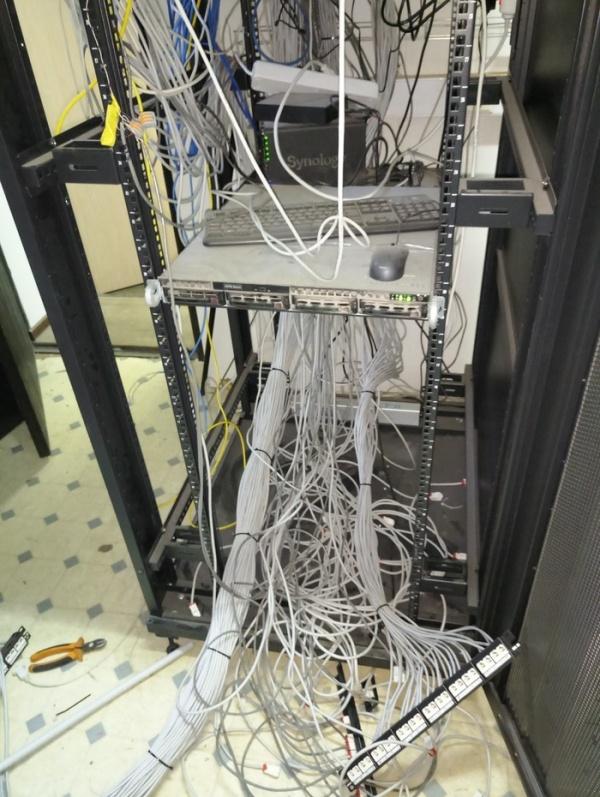 Серверная до и после наведения порядка (5 фото)