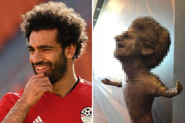Бронзовая статуя египетского футболиста Мохаммеда Салаха (3 фото)