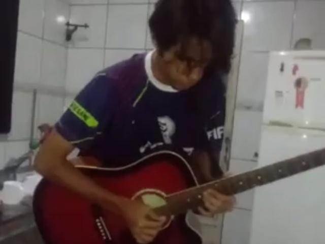 1% навыков игры на гитаре и 99% навыков в редактировании видео
