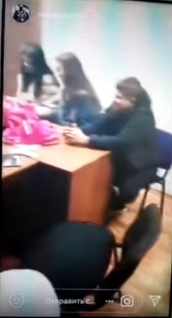 Полиция проверяет информацию о вечеринке с алкоголем в кабинете директора школы (6 фото)