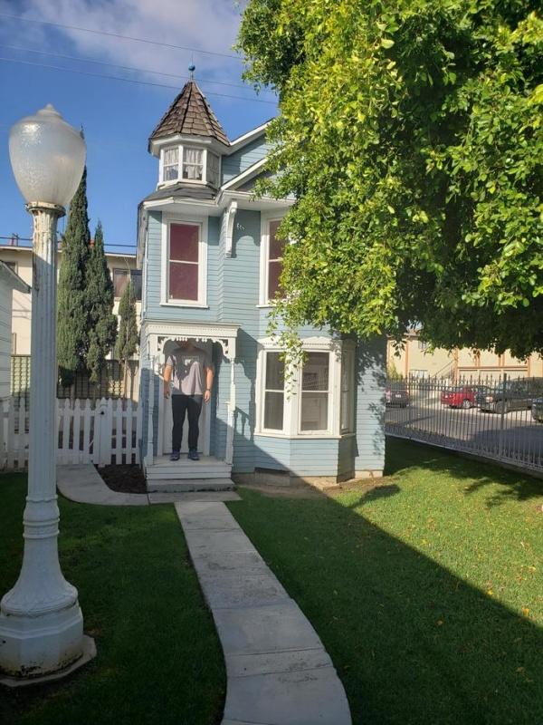 Когда арендовал дом через приложение на смартфоне (4 фото)