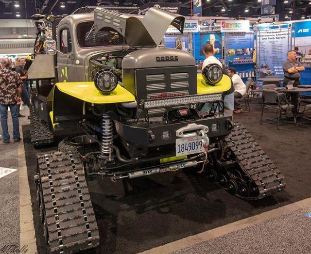 Самые крутые экспонаты автомобильного тюнинга с выставки SEMA (32 фото)