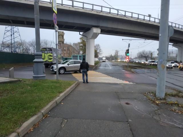 Кажется, дорожники слегка ошиблись (2 фото)