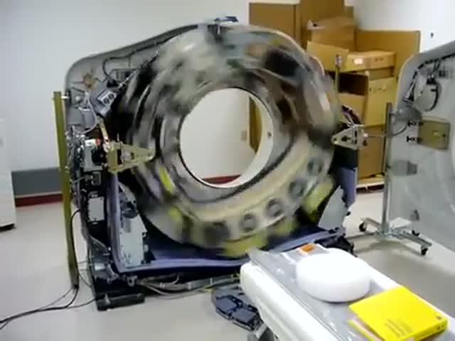 Как компьютерный томограф выглядит внутри