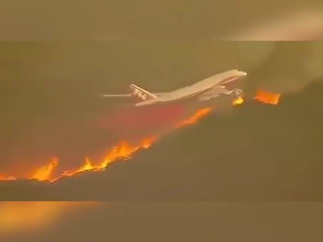 Пожар продолжает уничтожать Калифорнию
