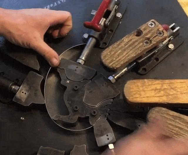 Как изготавливают формы для печенья (16 гифок)