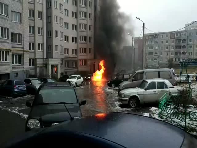 Во Владимире водитель уснул за рулем горящего автомобиля