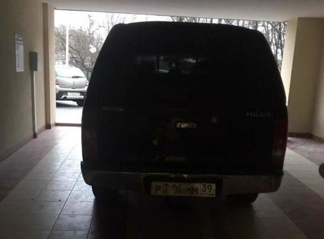 """""""Персональный гараж"""" из обычного подъезда жилого дома (2 фото)"""