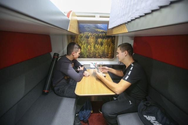 Как в действительности будет выглядеть новый плацкартный вагон (14 фото)