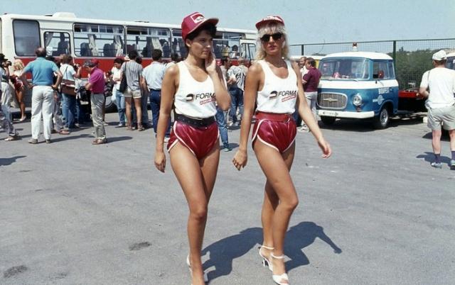 Архивные фото: грид-гёрлз на гран-при Венгрии 1986 года (6 фото)