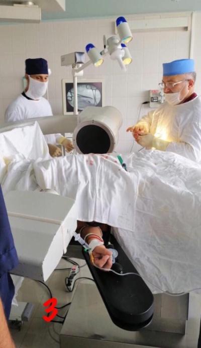 Врачи извлекли пулю из груди россиянина, с которой он прожил 30 лет (6 фото)
