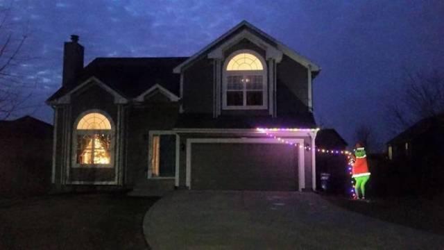 Когда лень заниматься украшением дома к Новому году (25 фото)