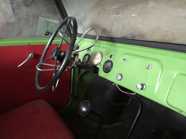 Мотоколяска СМЗ-С3Д 1982-го года, сохранившаяся в первозданном виде (13 фото)