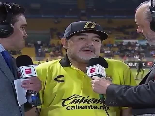 Диего Марадона дал самое странное интервью этого года
