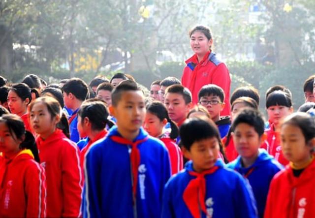 Zhang Ziyu a világ legmagasabb 11 éves lánya (5 fotó)