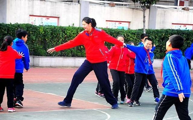Чжан Цзыюй - самая высокая в мире 11-летняя девочка (5 фото)