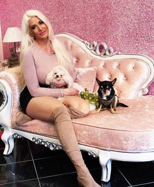Синди Старлет: от нулевого размера груди до титула обладательницы самого большого бюста в Норвегии (16 фото)