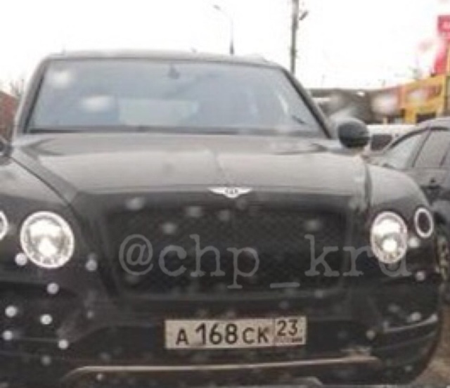 Водитель ВАЗ 2110 решил проучить Bentley на встречке (фото + видео)