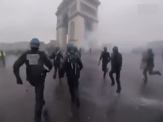 Беспорядки в Париже глазами полицейского