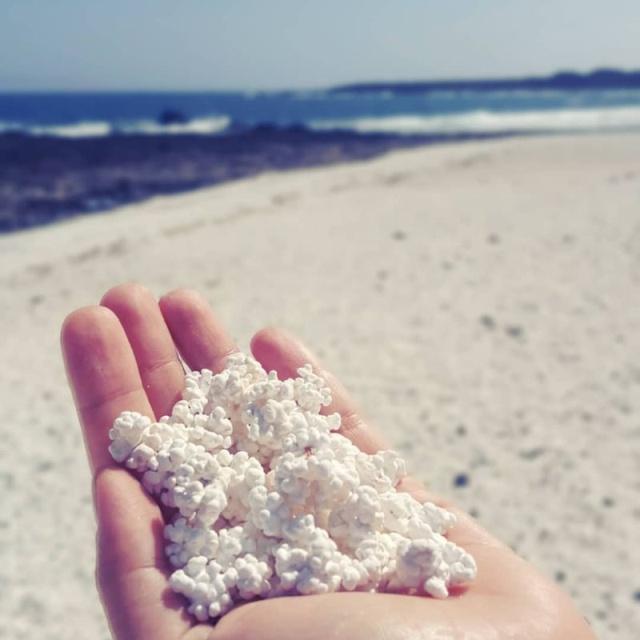 """""""Попкорновый пляж"""" на Канарских островах (11 фото)"""