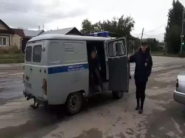 """Вместительный полицейский УАЗ """"Буханка"""""""