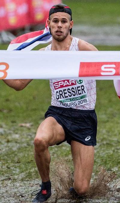 Спортсмен хотел эффектно завершить забег (3 фото)