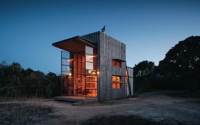 Необычный дом на пляже в Новой Зеландии (11 фото)