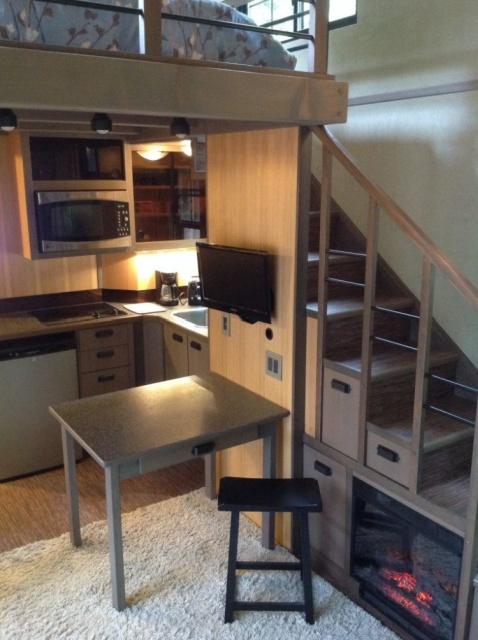 Компактный домик с площадью всего в 18 кв.м. (9 фото)