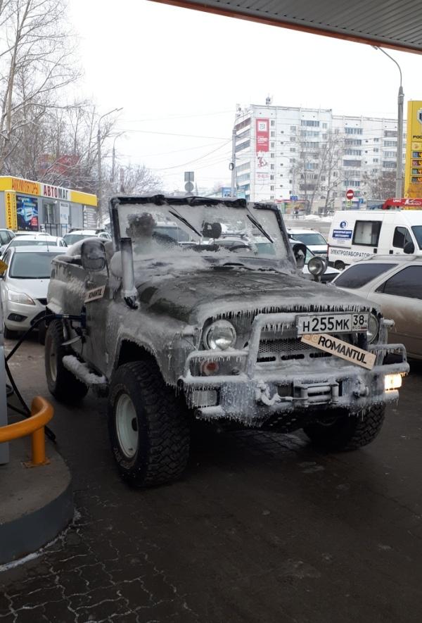 Суровый иркутский внедорожник (2 фото)