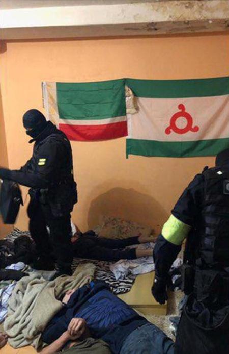 Зачистка в общежитии российского государственного геологоразведочного университета (8 фото)