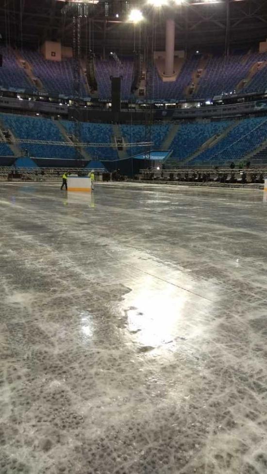 """Обратная сторона """"Газпром Арены"""": как создается ледовый стадион (24 фото)"""