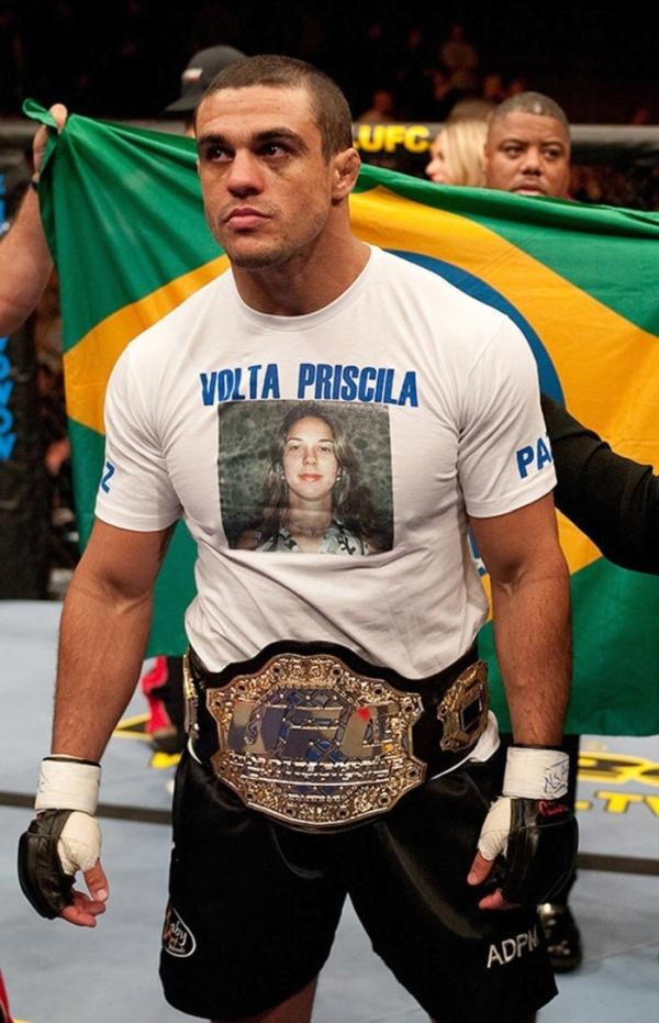 Боец UFC Витор Белфорт пишет письма сестре Присцилле, которую похитили 14 лет назад (2 фото)