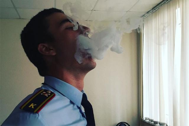 """Курсант университета МВД показал """"воровские звезды"""" в своем Instagram (4 фото)"""