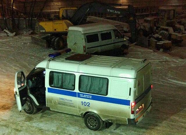 """Как полицейские решили """"получить"""" бесплатную ёлку на складе Ильи Варламова (3 фото)"""