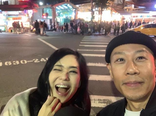 Бывшая порноактриса Сора Аой заявила о беременности, но не ожидала бурной реакции общественности на эту новость (11 фото)