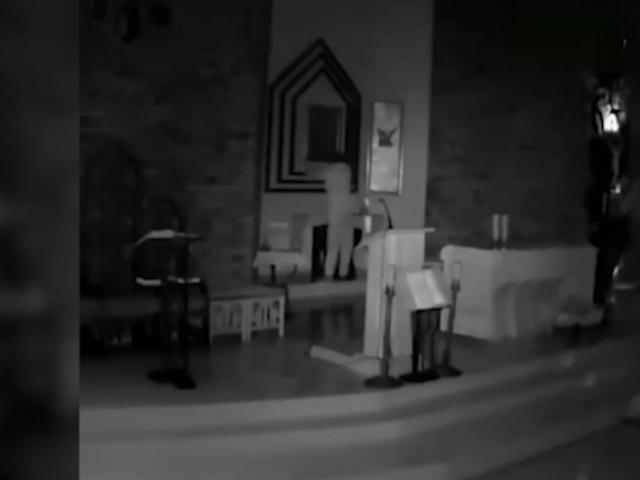 Целовал образ и крестился, но все же украл икону Божьей Матери