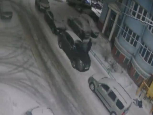 Пьяные футболисты Дмитрий Митин и Артем Надеев избили и ограбили женщину