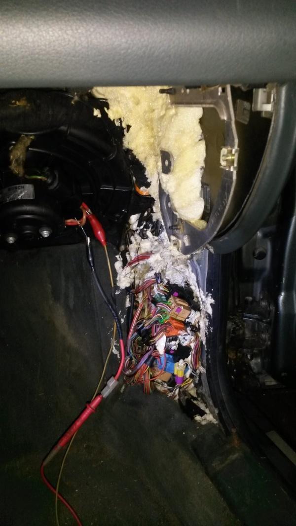 """""""Многострадальная"""" Audi Allroad приехала на сервис (5 фото)"""